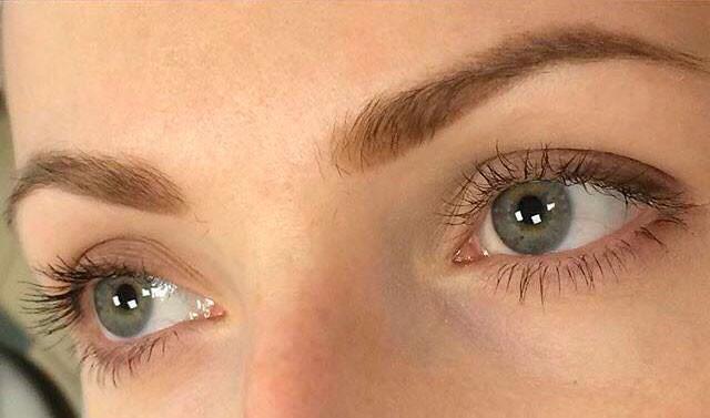 Soft-powder-brows.Anna-Dixon-005.jpg