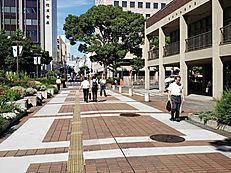 横浜市役所方面