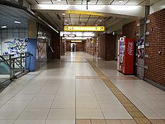日本大通り駅改札
