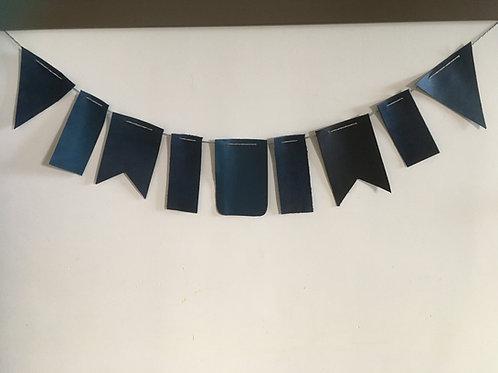 Leren vlaggenlijn van ca 150cm