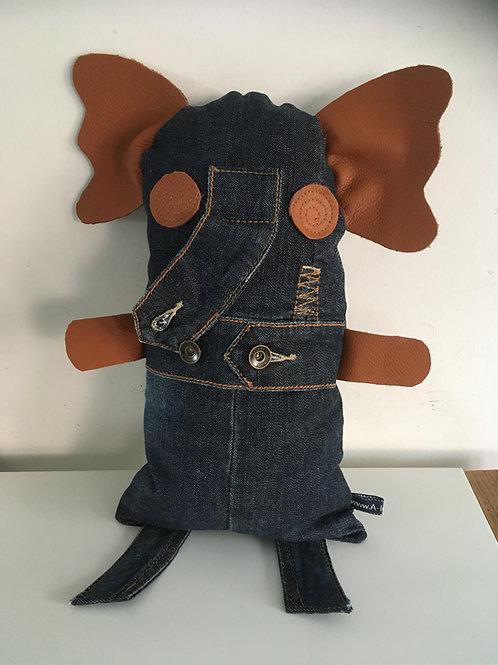 Knuffel van oude jeans