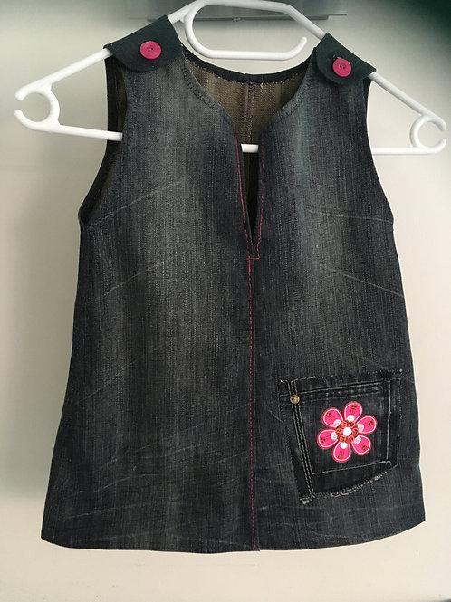 Overgooiertje van een oude jeans gemaakt