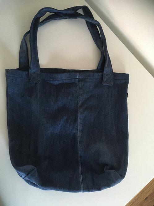 Handige tas van oude jeans.
