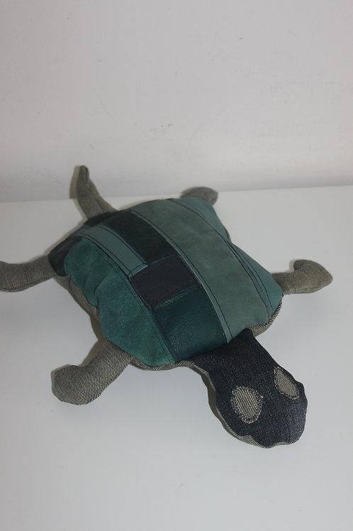 Schildpadje van restjes leer en old jeans