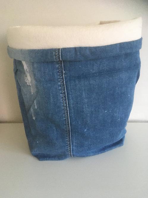 Opbergmand van oude jeans