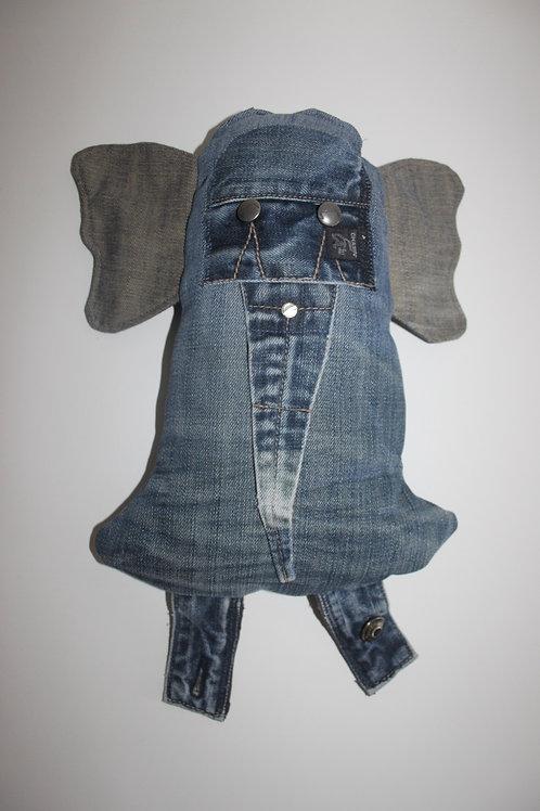 Olifantenknuffel van oude Chasin jeans
