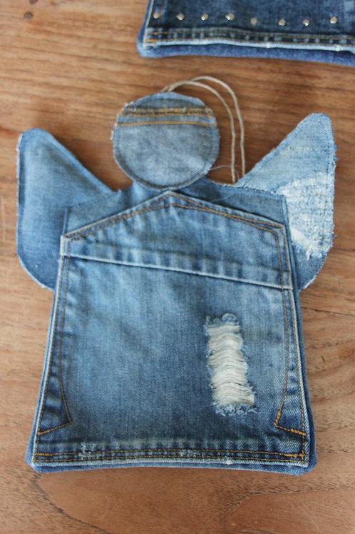 Engel van old jeans