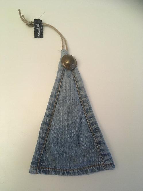 Kerstboompje van old jeans