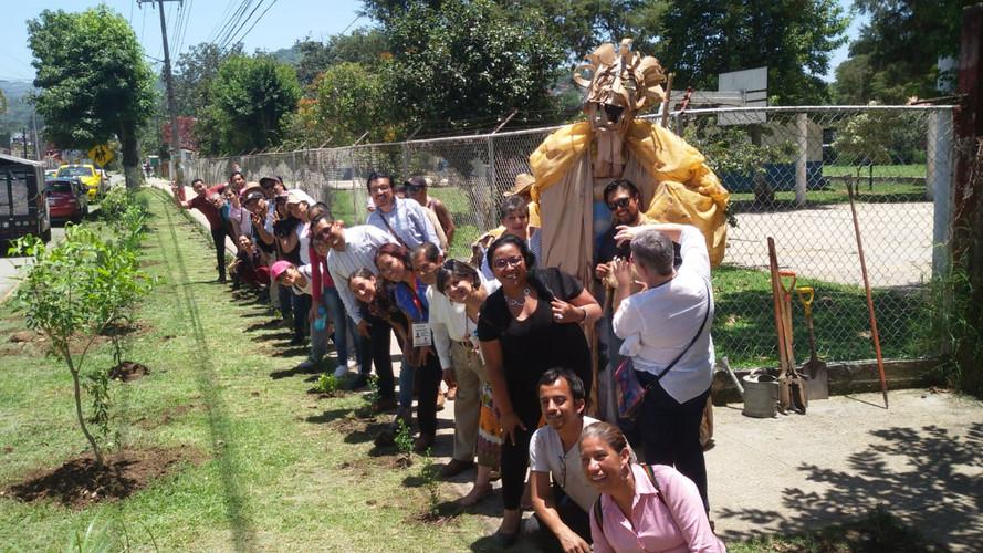 Jornada de inaguración del proyecto Mi Barrio Florido en la Luz del Barrio