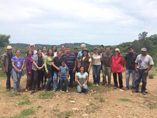 Grupo voluntario para las jornadas de restauración de paisaje en El Castillo, Xalapa