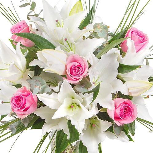 Λίλιουμ με τριαντάφυλλα