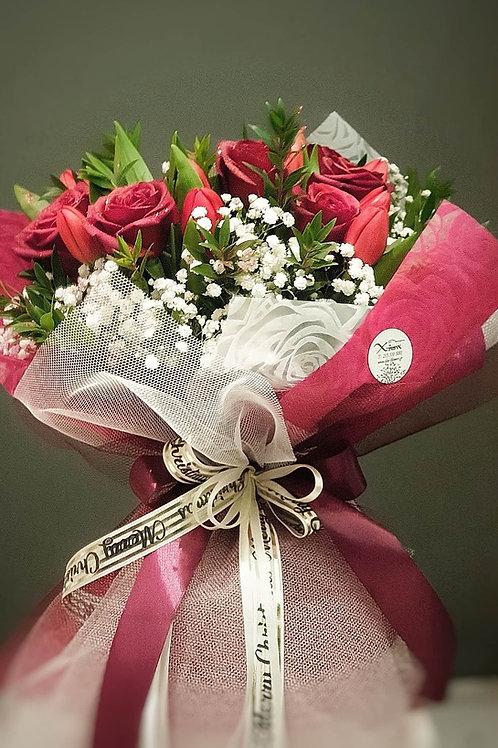 """""""Scarlet"""" Τουλίπες με τριαντάφυλλα"""