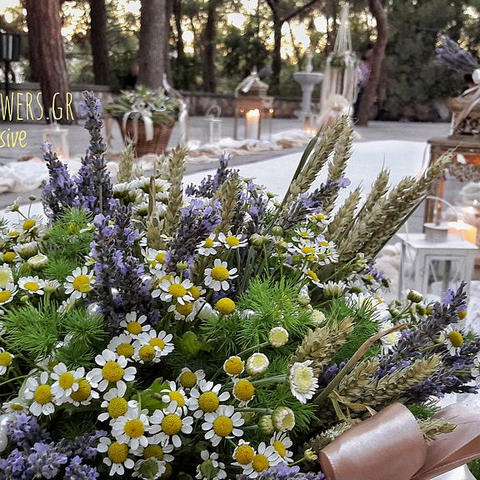 Στολισμός γάμου με λεβάντες και χαμομήλι