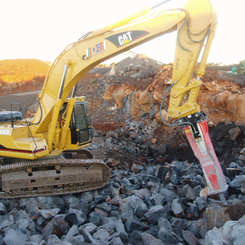 Cat 330B and Sandvic G3088 hammer 010.jp