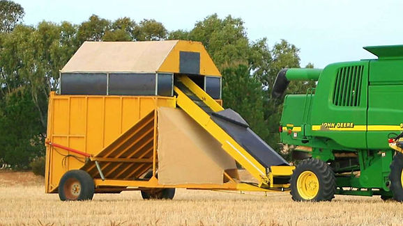 Andrew-Heinrich-Chaff-cart-photo-for-bod