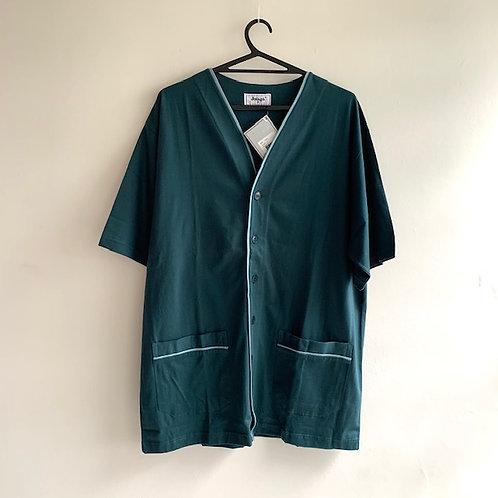 Pijama camiseta de botões e shorts