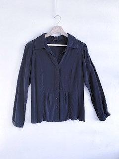 Camisa fluída com botões, manga longa, preta