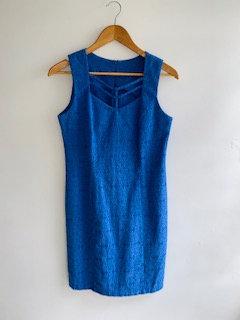 Vestido tubinho azul royal. Tecido trabalhado, algodão