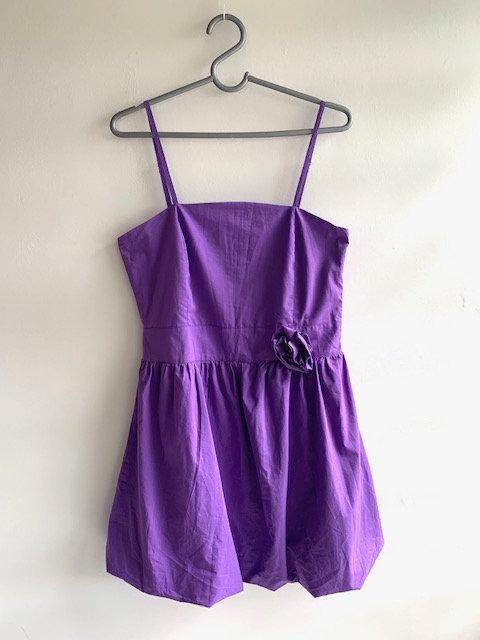 Vestido roxo de alcinha