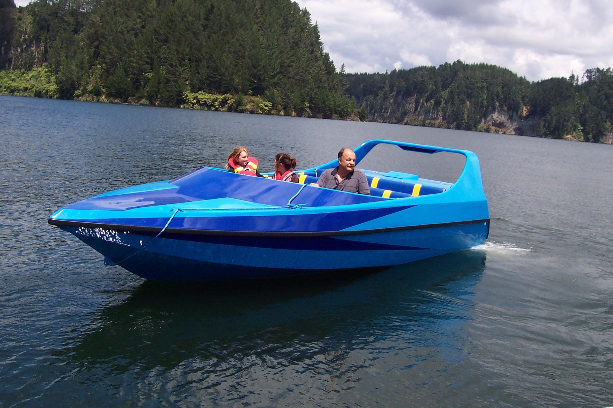 com boat 021