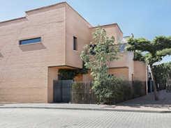 VIVIENDA EN CORDEL DE HORMIGOS 2004. arquimac