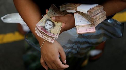 La Asamblea Nacional de Venezuela informó que la inflación durante el 2020 ya es superior a 1.000%