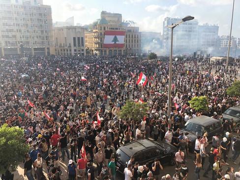 Explotan las manifestaciones en Beirut: toman ministerios y piden la expulsión de Hezbollah del país