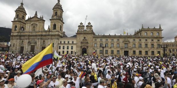 Colombianos en contra del Terrorismo