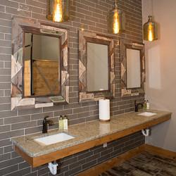 AU-bathroom
