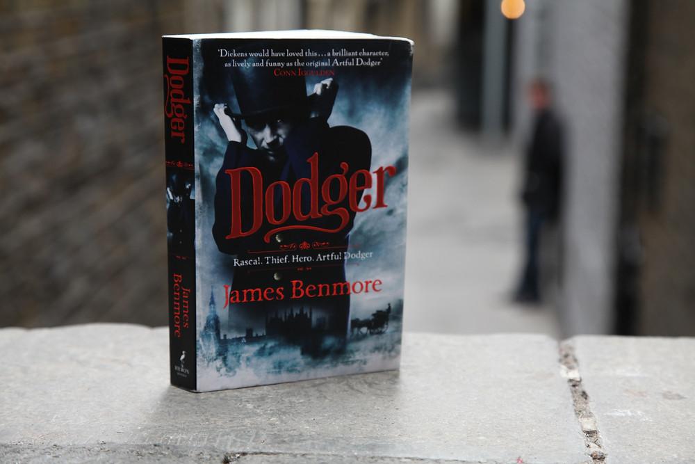 Love Books Love Travel - Dodger
