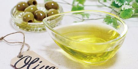 オリーブ油を配合した洗顔石けん