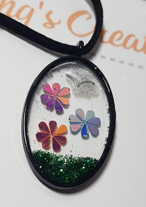 Tri-flower pendant