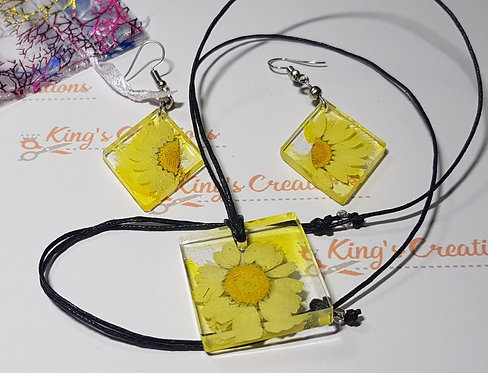 Yellow daisy earrings and pendant set