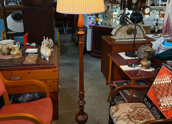 Elegant Chippendale Style Standing Floor Lamp with Claw Feet