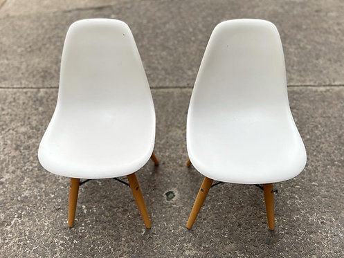 A Lovely Set of 2 White Retro Kids Chairs