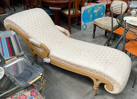 Beautiful Vintage White Chaise Lounge