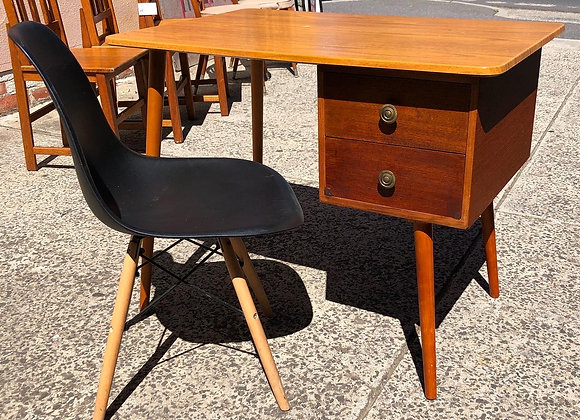 A Set of Stunning Retro Desk + 1 Chair