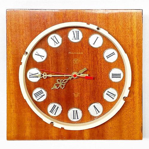 Rare Vintage Soviet Янтар (Jantar) Timber & Bakelite Wall Clock (Russia)