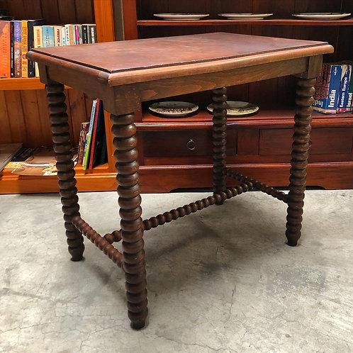 Stunning Rectangular Occasional Table with Bobbin Legs