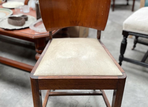 6 Absolutely Gorgeous Art Deco Chairs with Leather Upholstery