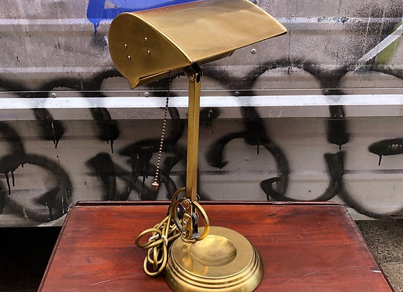 Spectacular English Desk Lamp in a Very Good Condition