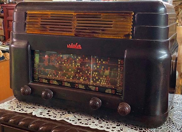 Reconditioned Kriesler Bakelite Radio from C. 1947