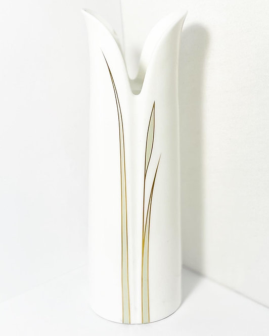 'Royal Doulton' Petal Impressions Candleholder by Gerald Gulotta from 1982 (UK)