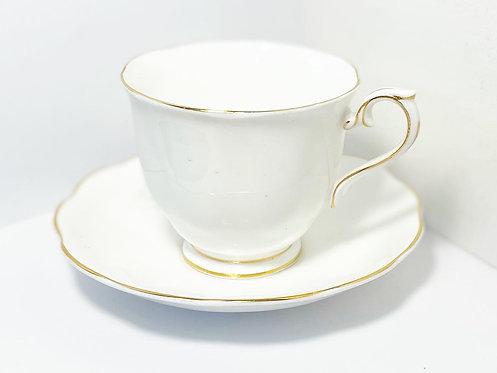 Lovely Vintage 'Royal Albert' Bone China Tea Set from C.1950's (England)