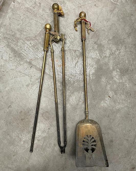 Stunning 3 Piece Antique Brass Fireplace Tool Set