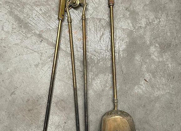 Stunning 3 Piece Antique Brass Fireplace Tool Set