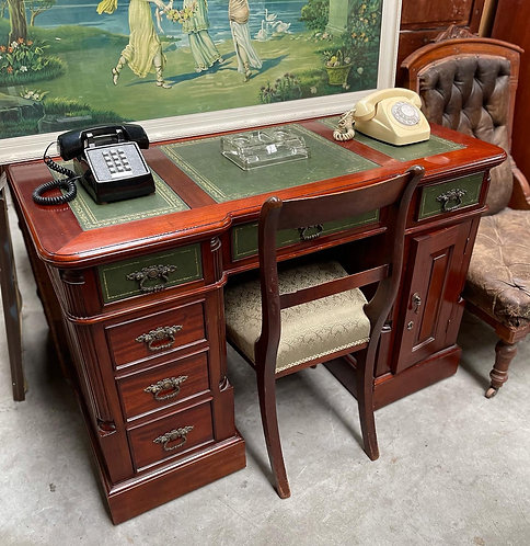 Solid Antique Embossed Leather Top Desk with 6 Drawers & 1 Door