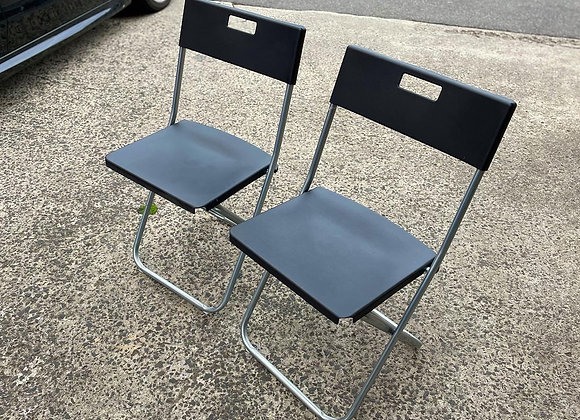 A Set of 2 Lightweight Long-Lasting Comfortable Black Folding Chairs