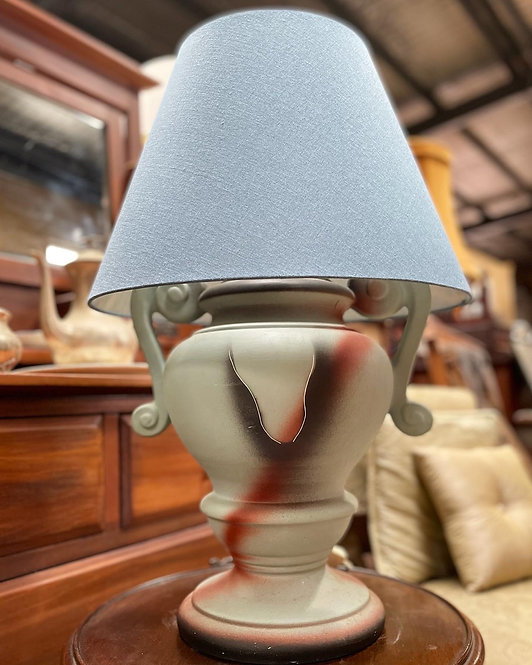 Pretty Vintage Lamp in Good Working Condition