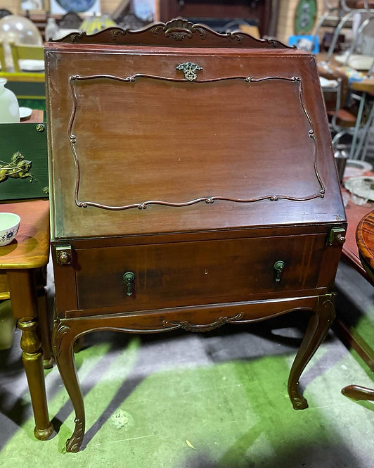 Beautiful Hand-Carved Louis XV Style 1 Drawer Writing Desk on Cabriole Legs